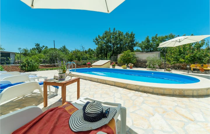 Nice home in Dubrava with WiFi and 3 Bedrooms