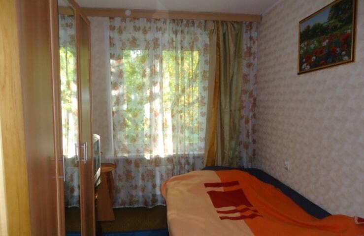 Уютная комната в двухкомнатной квартире.