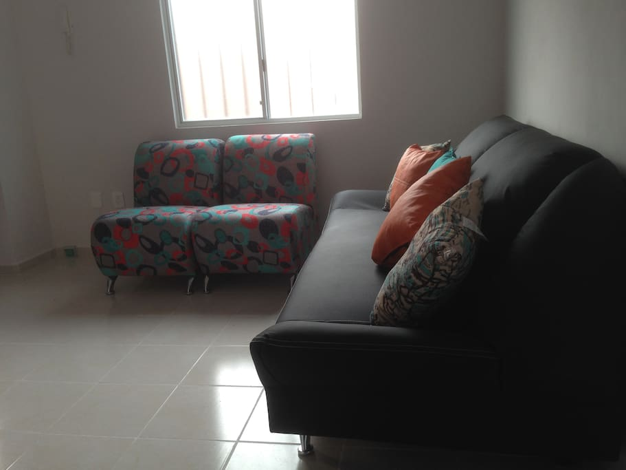 Sala con sofá