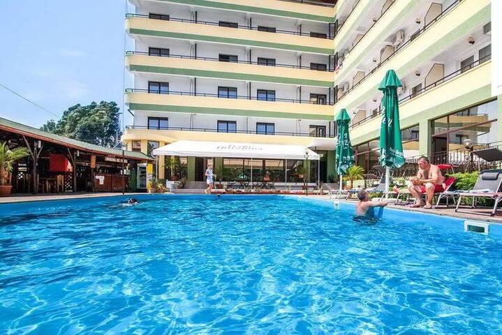 Edmond Hotel Premium Apartments