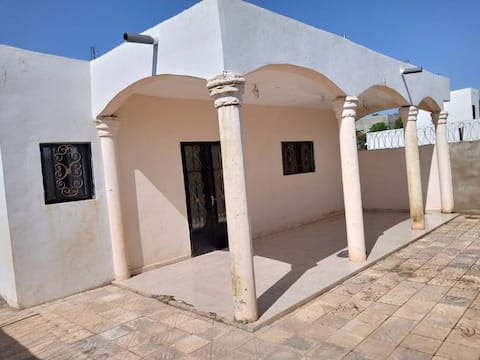 Appartement 3 pièce climatisé avec terrasse privé