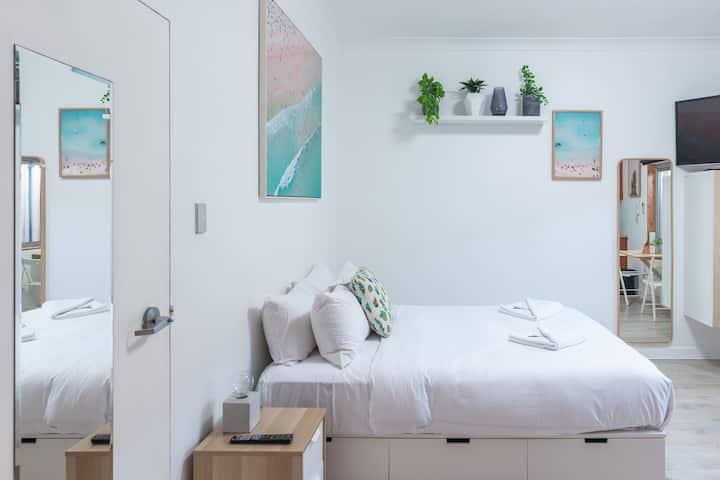 Ultimate Beachfront Bondi Apartment