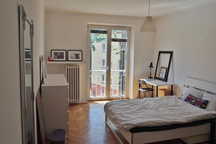 Sunny apartment near the city centre