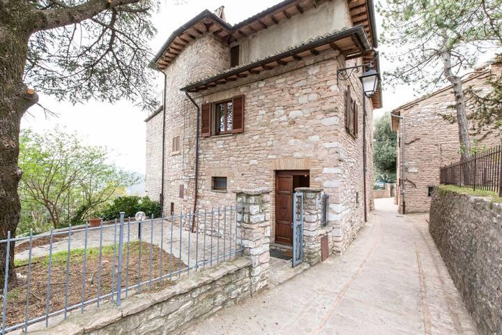 Inviting Villa in Spello with Balcony