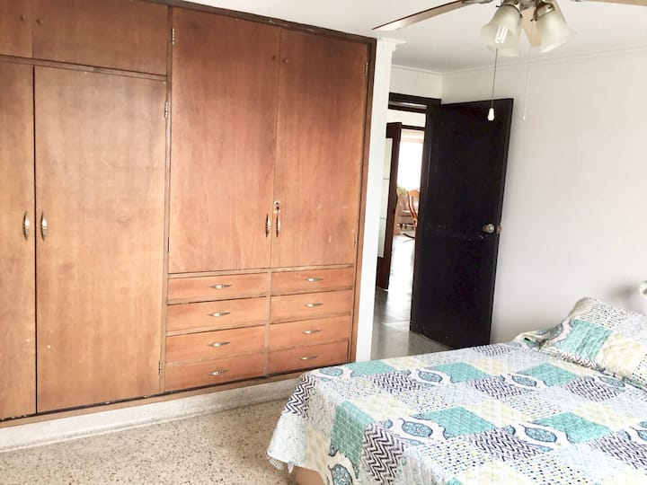 Private room with single bed in heart of town.
