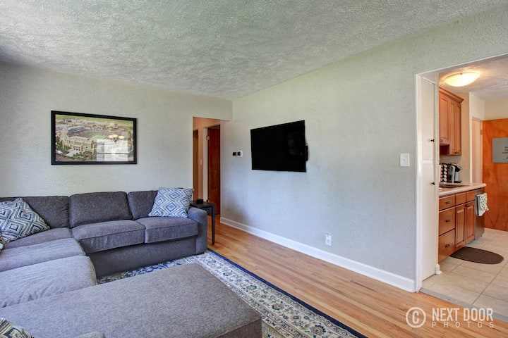 Remodeled home 1 mile from Notre Dame (1150)