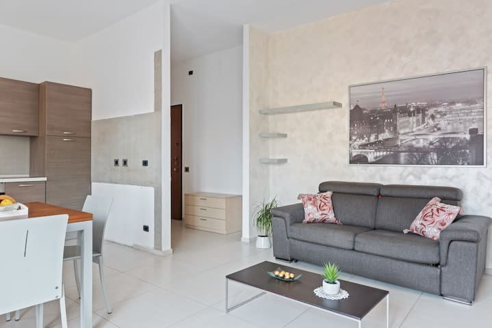 ✦Modern & Total New apt. in Brianza✦