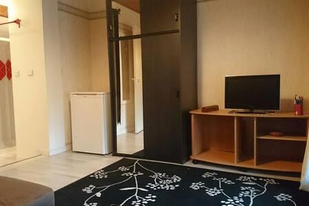 Suite avec chambre, séjour et salle de bain - Notre-Dame-de-Mésage - House - 2