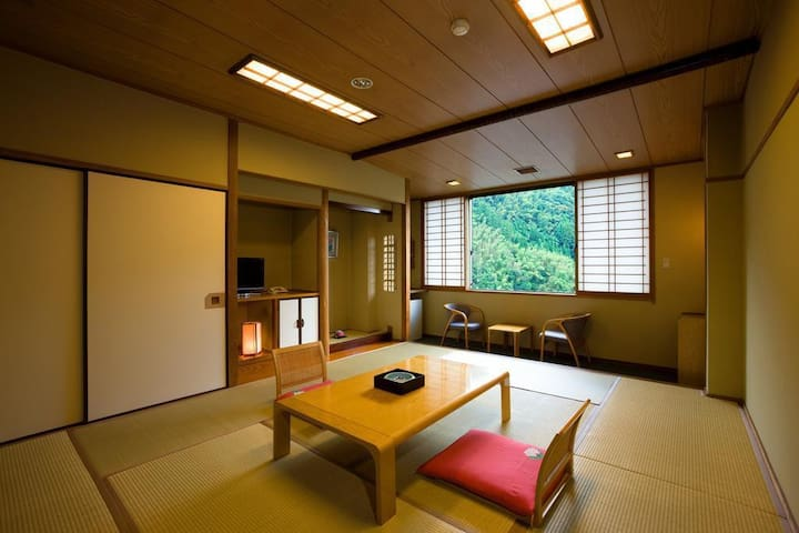 Oita Prefecture Amagase Onsen, Ryokan which can overlook the town. Dinner and Japanese breakfast included 【From 2 pax】