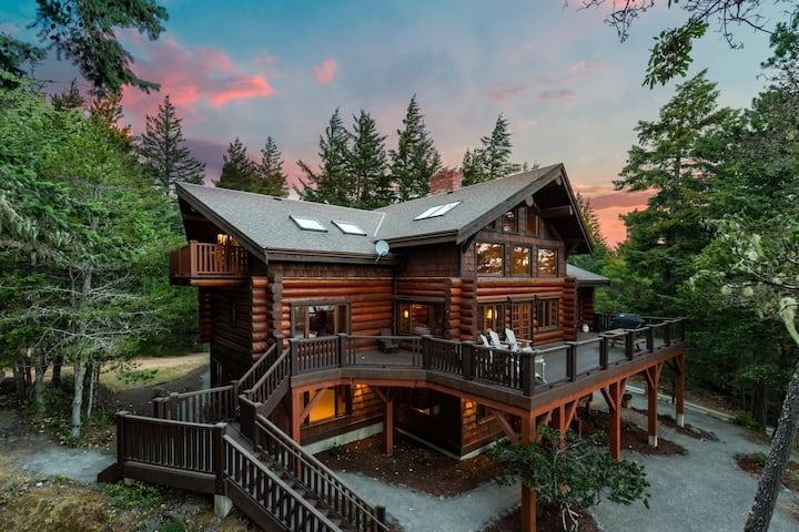 Log House at Eagle Crest