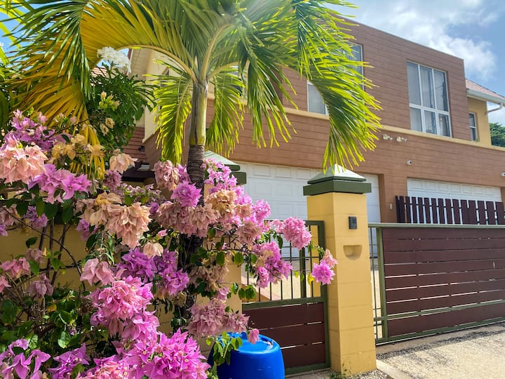 Southern Sight - Luxury 3 Br villa w/ pool
