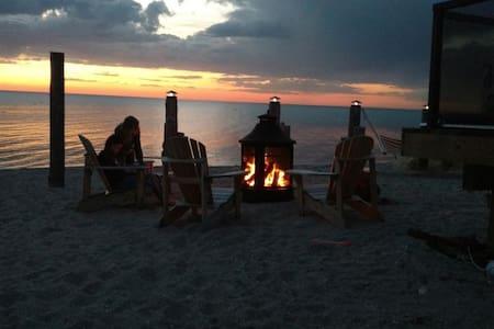 Le Crépuscule Beach House