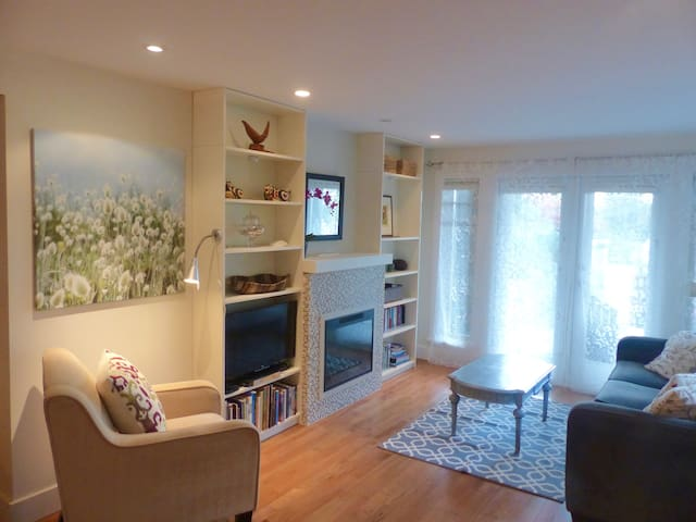 COZY AND QUIET ONE BDRM CLOSE TO PACIFIC OCEAN