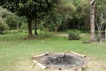 Área de camping e fogueira!