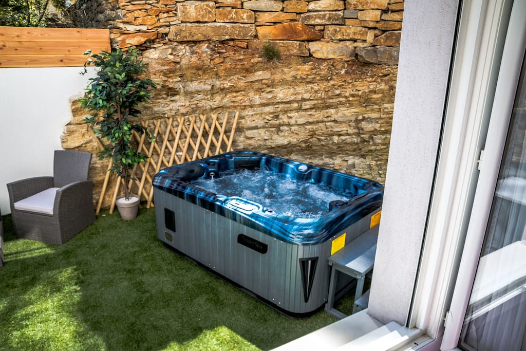 Jacuzzi privatif sans vis-à-vis