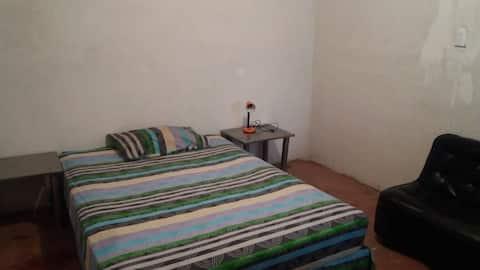 Luminosa y acogedora habitación en el centro