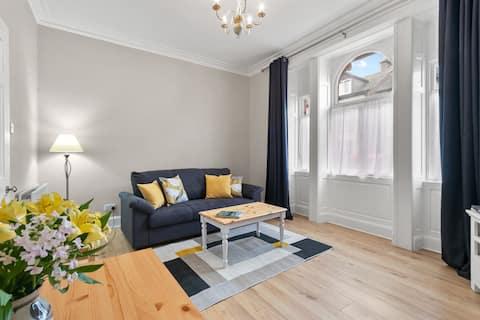 Bay Apartment in Helensburgh, near Loch Lomond