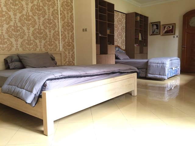 Cozy and Spacious Private Room in South Jakarta