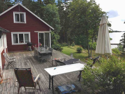 LAKEVIEW-8 BEDS-BEACH-SAUNA-FISHING-FOREST-PEACE
