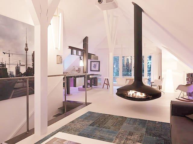 Loftmässige Maisonette-Attika Wohnung (200m2)