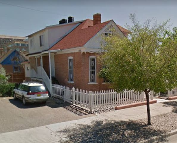 Historic 3 Bedroom in Downtown Albuquerque