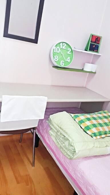 121) Private room