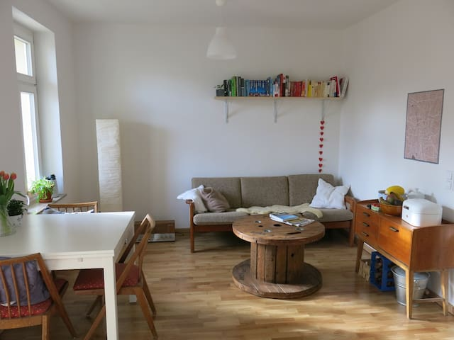 Lovely room in the east of Leipzig - Leipzig - Daire