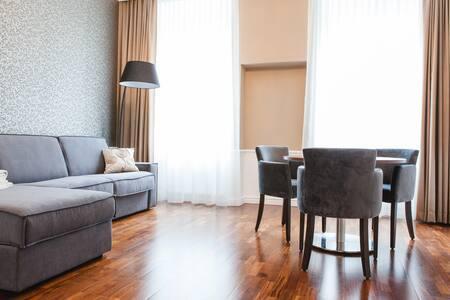 Premium Apartment Elegance II