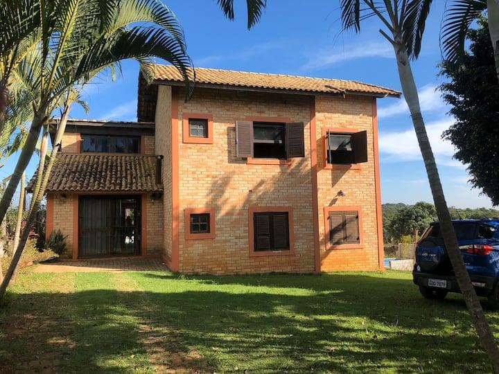 Chácara em Mairinque, km 68,5 da Castelo Branco.
