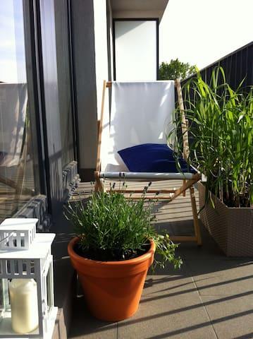 64sqm stylish sunny apt&bikes, garage, balcony - Warszawa - Leilighet
