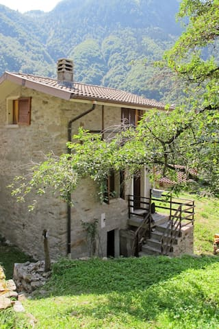 Charming stone house in the hamlet Casten