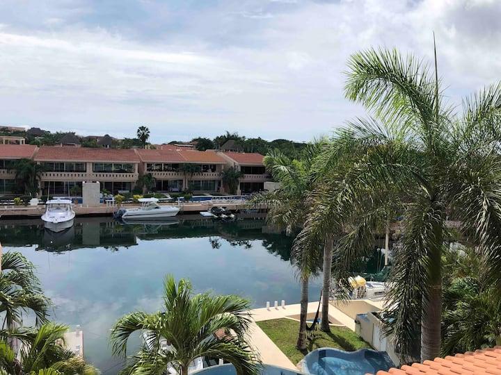 Marina Pool House Puerto Aventuras