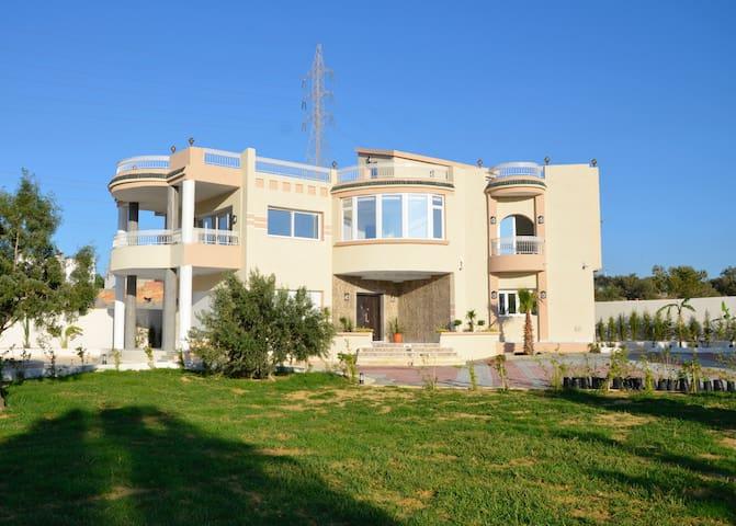 Une luxueuse maison de maître - Hammamet - Villa