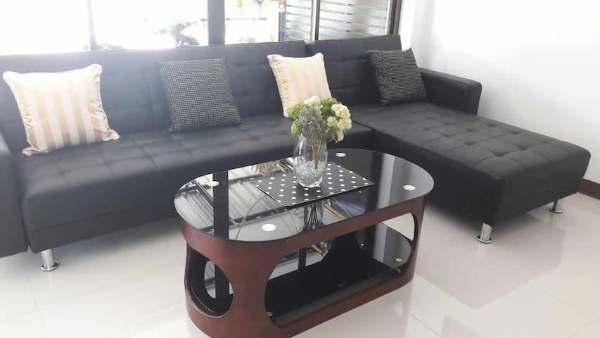 紧邻周六夜市 双床房 独立卫浴Rinn Boytigue House - Chiang Mai - Serviced flat