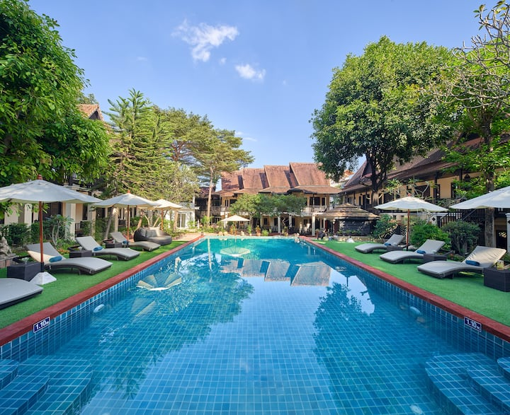 Chiang Mai Lanna Style  Hotel with swimming pool