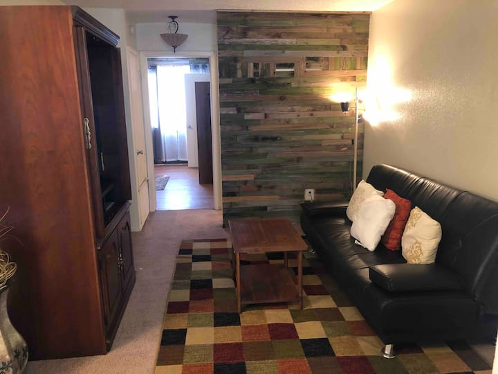 Long term 1 bedroom furnished apartment #5F