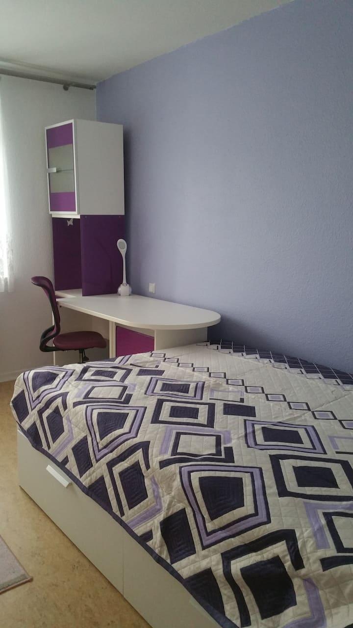 Schönes helles Zimmer in TOP Lage, 5 min vom KIT