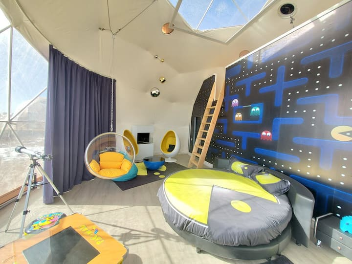 """Family """"80's Video Game"""" Luxury Sky Dome"""