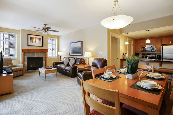 Resort Village Ski In/Out Condo #3425 - Great Views/Free Activities/5 Star Host