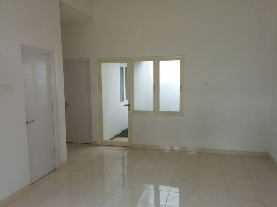Minimalist house in rancamaya golf houses for rent in for Minimalist house jakarta