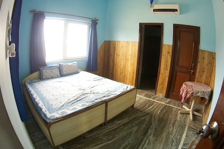Room 207 in Family-run Ashram with Yoga & Ayurveda - Vrindavan