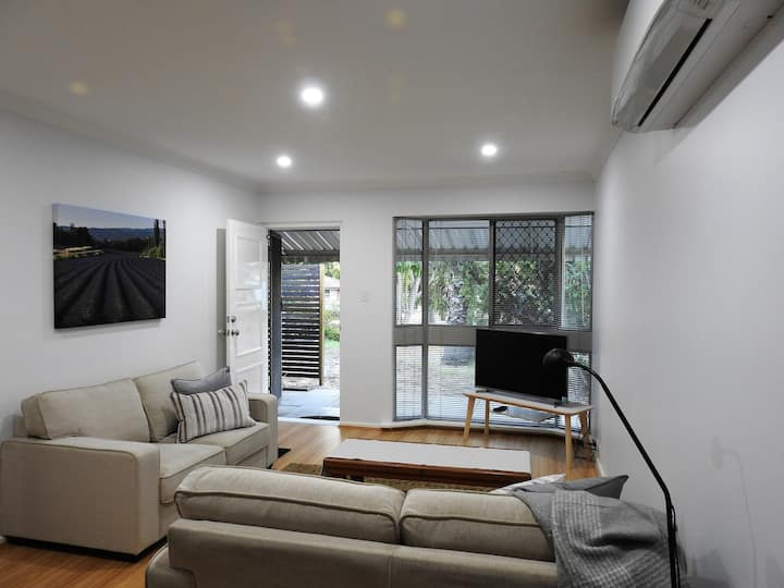 Modern Villa in Maylands + Parking + Wifi