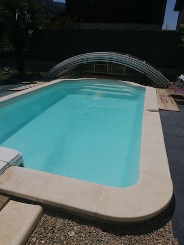 Maison 4 chambres piscine privée + abri de piscine