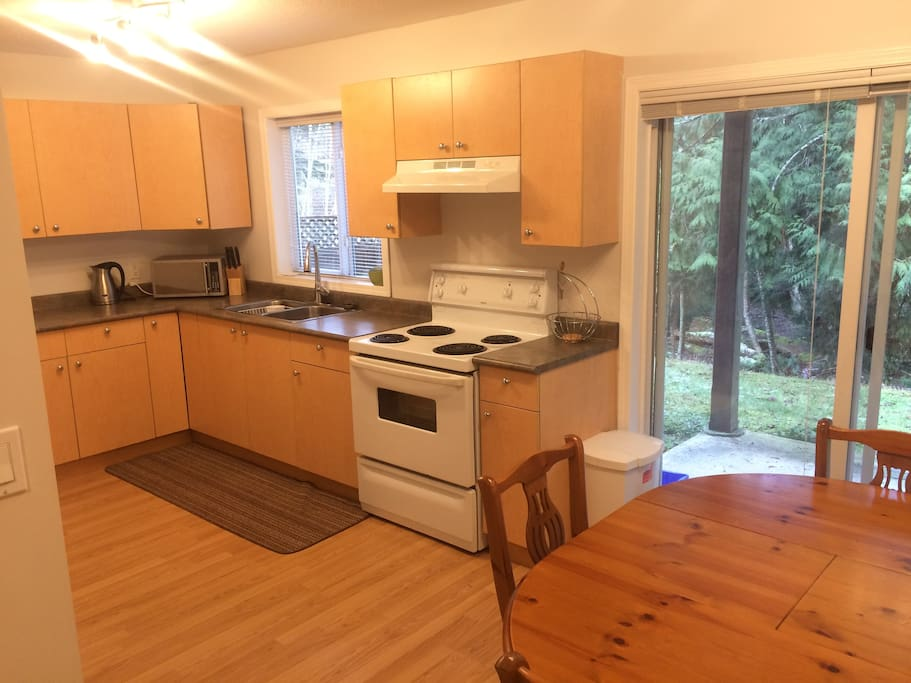 Fully equipped kitchen, Microwave, coffee maker