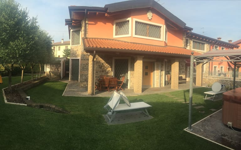 Luxury villa Garda lake - Silani - House