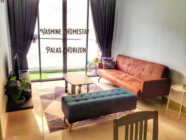 Yasmine Homestay at Palas Horizon