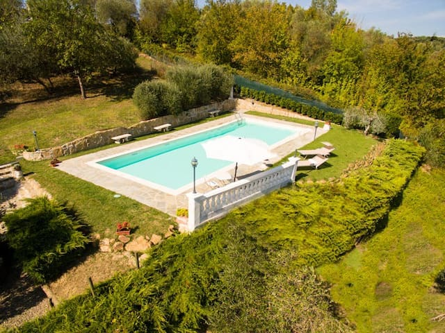 Private pool & panoramic garden on the countryside - Monterappoli - Casa