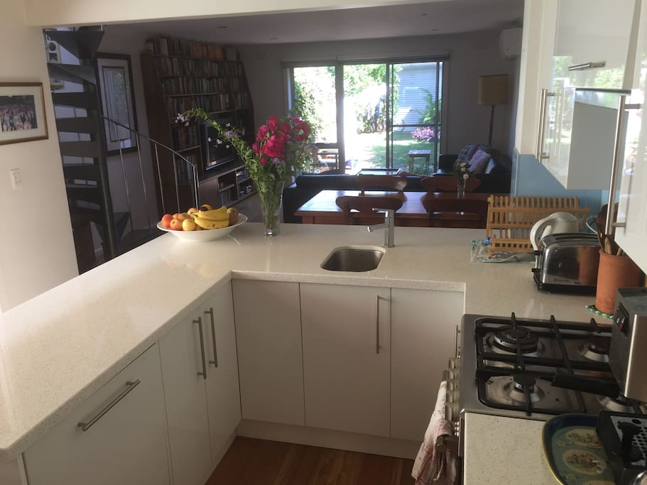 Dishwasher, coffee machine, toaster, kettle, stove