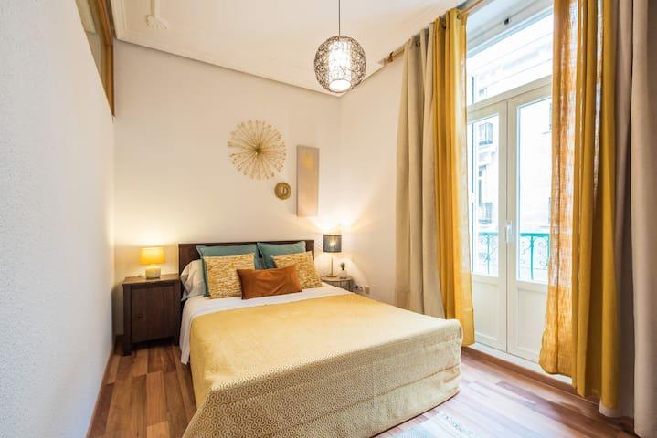 Cozy flat Madrid, 2 BR, 1 BTHR, 6 pax, 65 sq.m