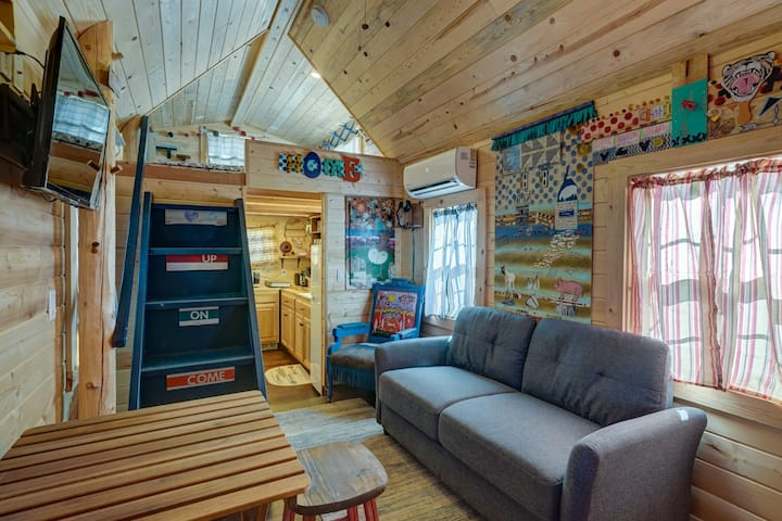 Cozy & rustic Tiny House in Downtown Leadville